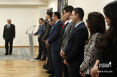 Taking the Diplomat's Oath by the DS graduates of the 2016p programme
